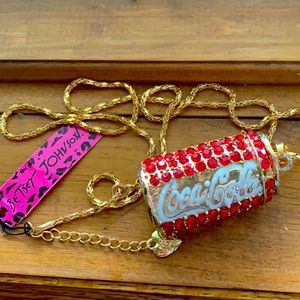 🌺 4 for $45 🌺 Betsey Johnson Coca Cola necklace